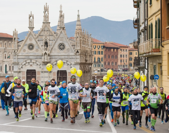 A lots of foreign athletes at Maratona di Pisa